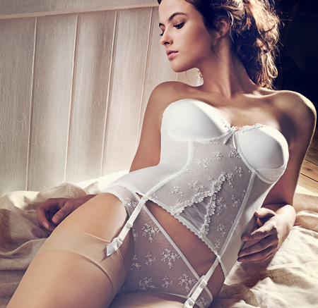 красивое женское белье корсеты