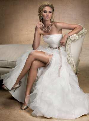 Свадебное платье с разрезом Фото и советы: Как стать самой красивой!